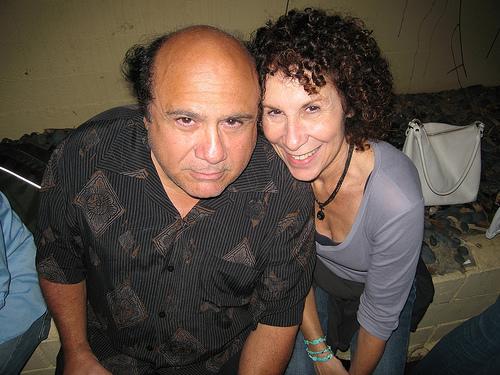 Danny-DeVito-and-Rhea-Perlman2