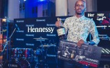Cciza Williams wins an all expense paid trip to Nigeria for the Hennessy Atristry Final with Wiz Kid & 2Face