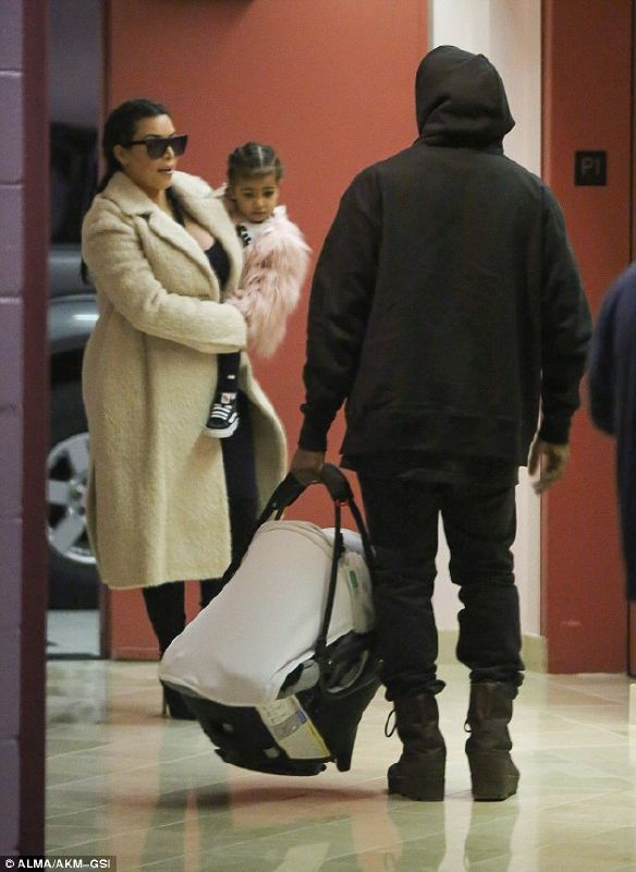 kim-and-kanyes-first-family_tf43ade08